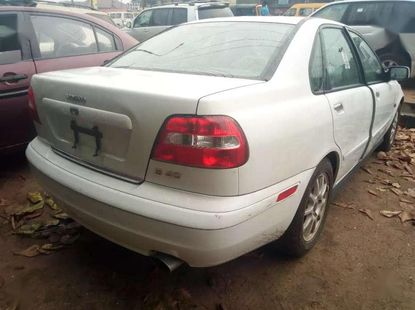 For sale tokunbo volvo s40 2003