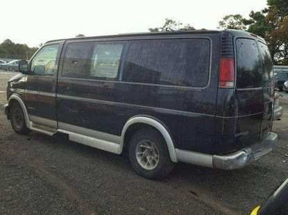 very clean and sound Tokunbo Chevrolet express G1500 for a lucky buyer