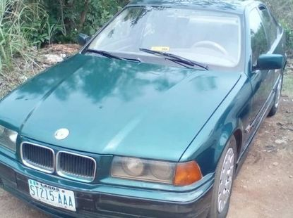 BMW 325i 2002 Green color for sale