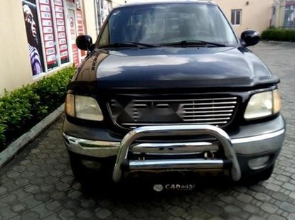 Almost brand new Ford F-150 Petrol for sale