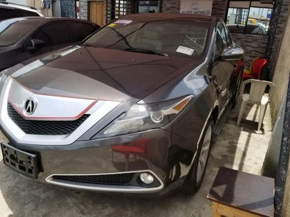 Almost brand new Acura ZDX 2010 Silver for sale