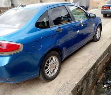 2010 Ford Focus blue for sale