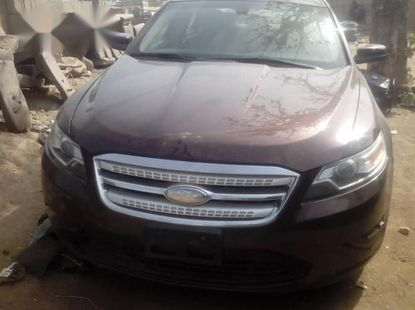 Ford Taurus 2015 Red for sale