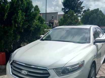 Ford Taurus 2013 SEL White for sale