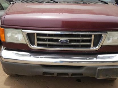 Engine sound Ford E-350 2006 Red for sale