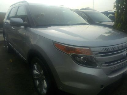 Sell used grey/silver 2011 Ford Explorer suv / crossover at cheap price