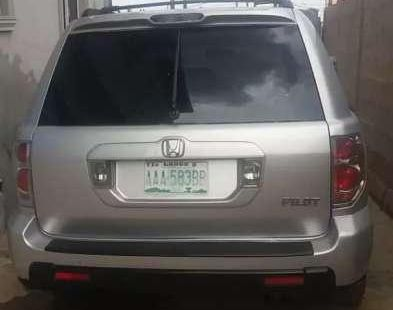 Need to sell high quality grey/silver 2005 Ford Pilot suv automatic