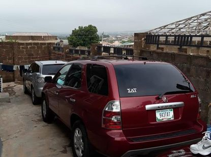 Selling 2005 Acura MDX suv / crossover automatic in Lagos