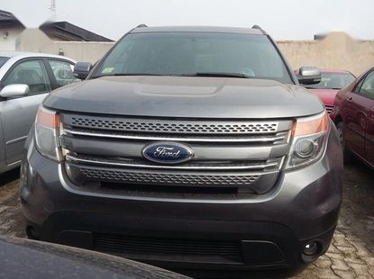 Sell well kept 2011 Ford Explorer automatic in Lagos