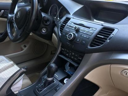 Selling 2011 Acura TSX sedan automatic in good condition