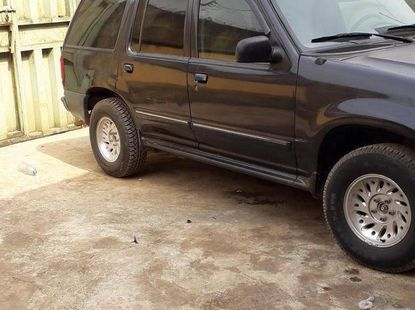 Sell high quality 1999 Ford Explorer automatic at price ₦700,000