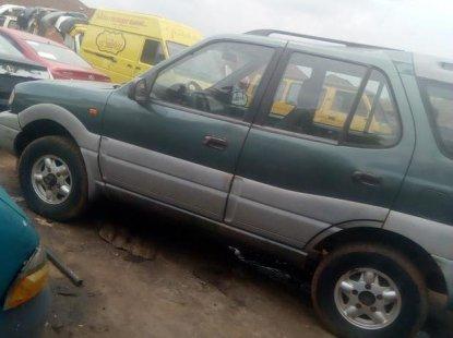 Sell green 2001 Tata Safari suv  manual at mileage 76,000