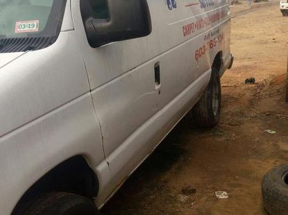 Ford E-250 2005 Van White color for sale