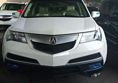 Very sharp neat white 2010 Acura MDX for sale in Lagos