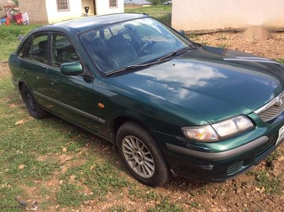 Sell used green 2002 Mazda 626 sedan at cheap price