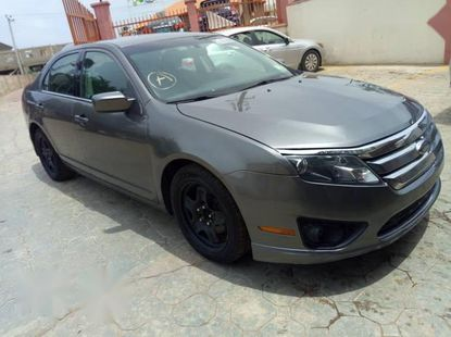 Sell cheap grey/silver 2010 Ford Fusion sedan automatic at mileage 125