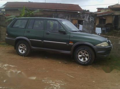 Well maintained 2000 Daewoo Musson at mileage 200,000 for sale in Lagos