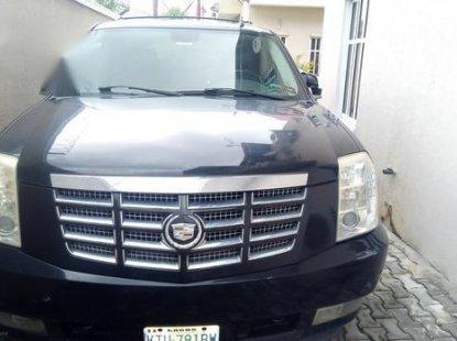 Certified black 2005 Cadillac Escarlade automatic in good condition