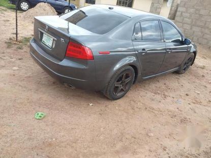 Sell well kept 2006 Acura TL automatic at price ₦1,350,000