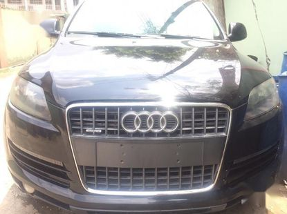 Sell well kept black 2008 Audi Q7 automatic in Lagos