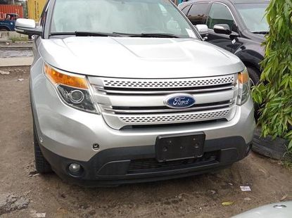 Need to sell cheap used 2012 Ford Explorer automatic in Lagos