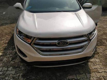 Need to sell cheap used white 2015 Ford Edge automatic in Port Harcourt