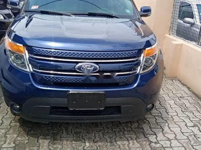 Sell used 2012 Ford Explorer suv  automatic