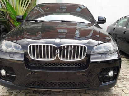 Sell well kept 2011 BMW X6 automatic