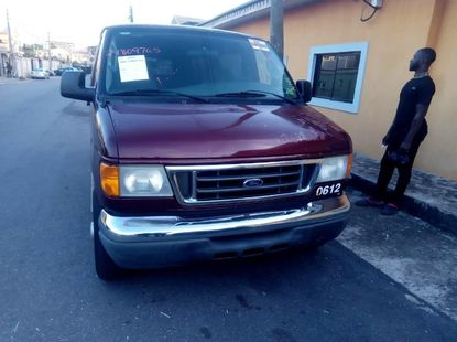 Need to sell high quality 2006 Ford E-350