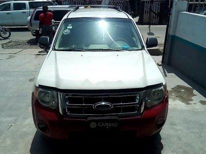 Sharp white 2008 Ford Escape suv automatic for sale