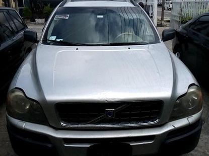 Selling 2005 Volvo XC90 automatic in Lagos