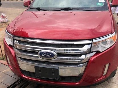 Selling 2011 Ford Edge automatic in Lagos