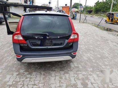 Need to sell black 2009 Volvo XC70 at mileage 160,000 in Lagos