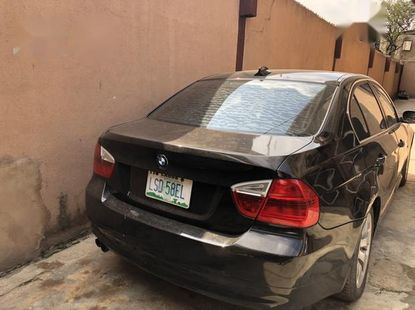 Clean black 2006 BMW 330i automatic car at attractive price