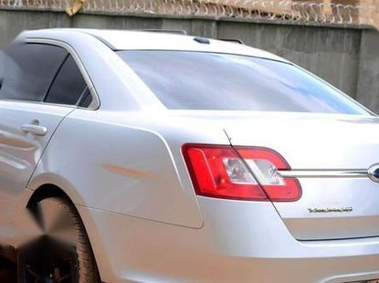 Ford Taurus SEL 2010 Silver for sale