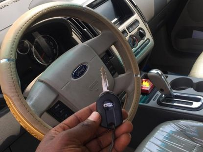 Selling grey 2010 Ford Edge suv in good condition