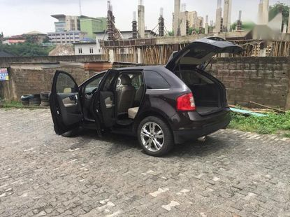 Sell well kept black 2013 Ford Edge automatic in Ikeja