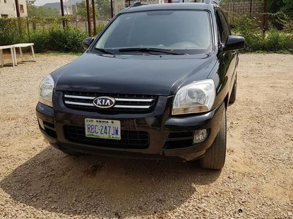 Need to sell black 2008 Kia Sportage suv at price ₦1,300,000