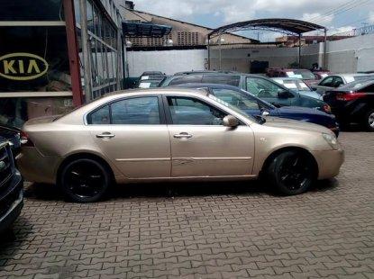 Kia Cerato 2003 Gold for sale