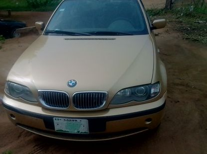 Nigerian Used  2005 BMW 3 Series Gold Colour for sale.