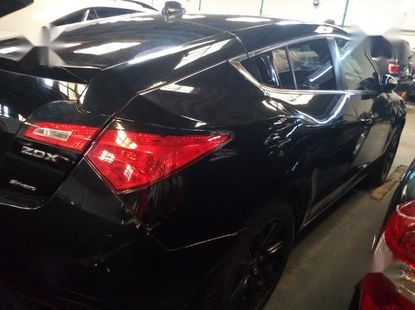 Selling 2011 Acura ZDX automatic in good condition