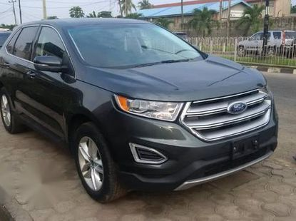 Very Clean Foreign used Ford Edge 2015 Green
