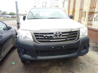 Clean Nigerian Used Toyota Hilux 2015