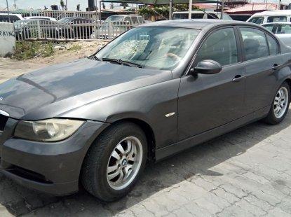 Neat Nigerian used BMW 318i 2007