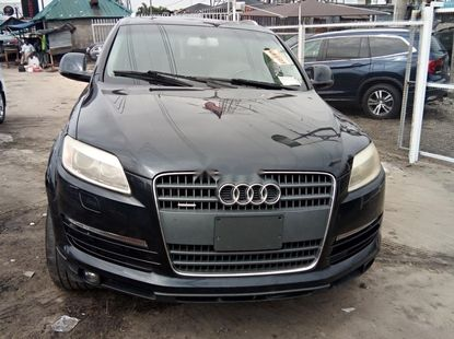 Clean Foreign Used Audi Q7 2007 Model Blue