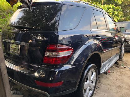 Blue Foreign Used Mercedes Benz ML350 2011 Model