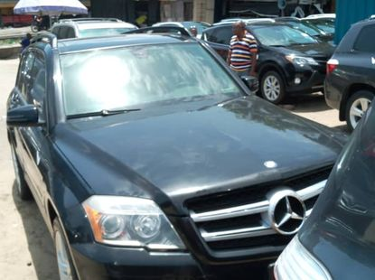 Neat Foreign used Mercedes Benz GLK350 2010