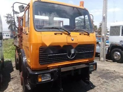 Foreign Used 2000 Mercedes-Benz 1619 Diesel