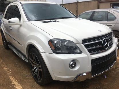 White Foreign Used Mercedes Benz ML63 AMG 2011 Model