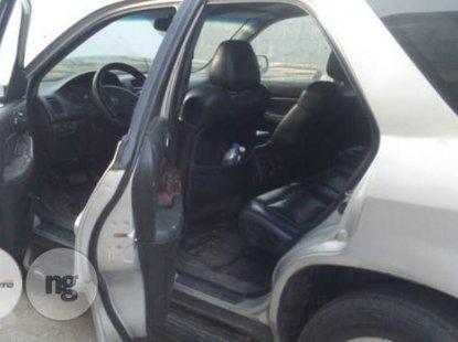 Neat Nigerian used  Acura MDX 2004